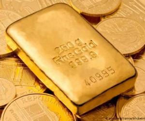 Курс золота остается вблизи отметки 1800$ накапливая