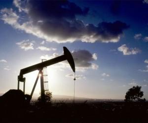 Курс нефти лишился поддержки покупателей и утратил
