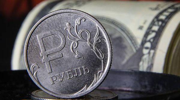 Рубль борется с долларом используя нефтяной позитив