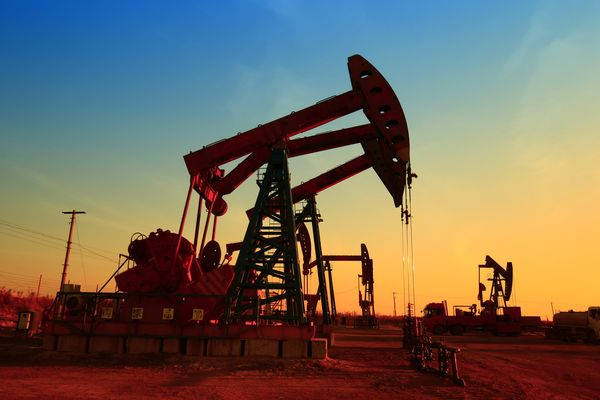 Курс нефти остается вблизи трехлетних максимумов на отметке $84.6