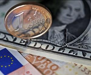 Курс евро завершил сентябрь солидными потерями