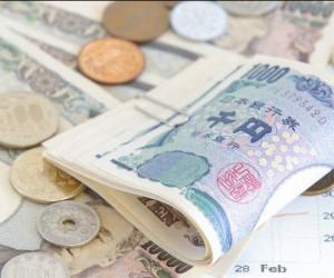 Почему японская иена рухнула за 24 часа более чем на 1%