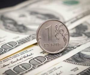 Рубль обновил максимумы середины июня и стабильно